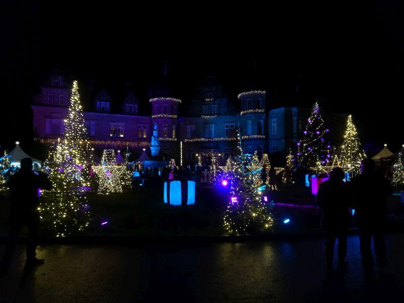 weihnachtszauber schloss bückeburg, schlosshof illuminiert