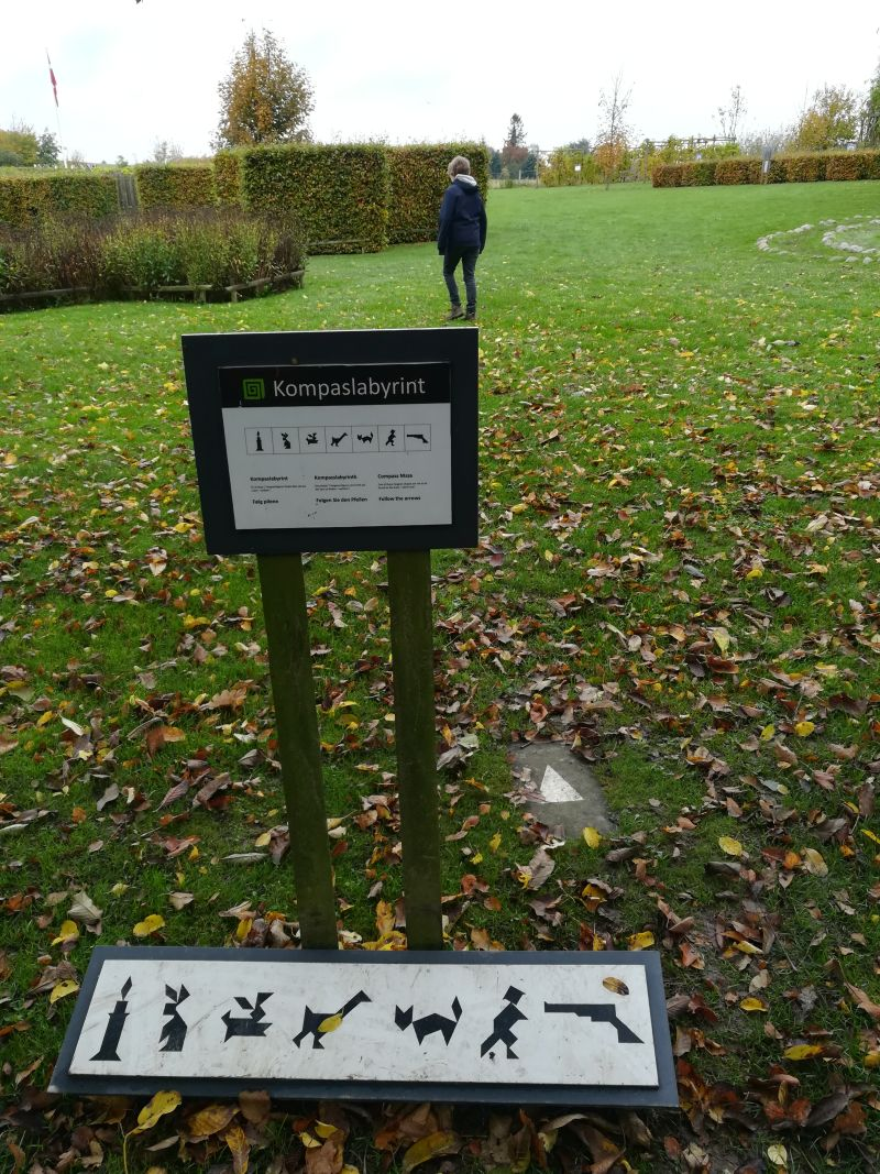 kalvehave labyrinth park dänemark kompasslabyrinth