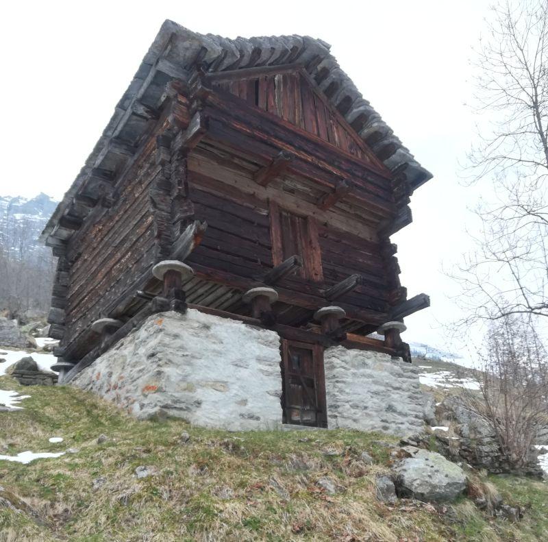 alter Speicher, Bosco Gurin, Walserdorf Tessin, Schweiz