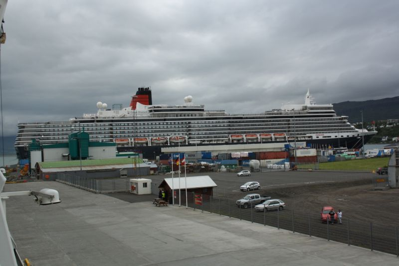 Anlegestelle für kreuzfahrtschiffe im hafen von akureyri