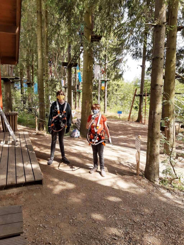 erlebnisberg kappe sauerland kletterwald mit maske corona
