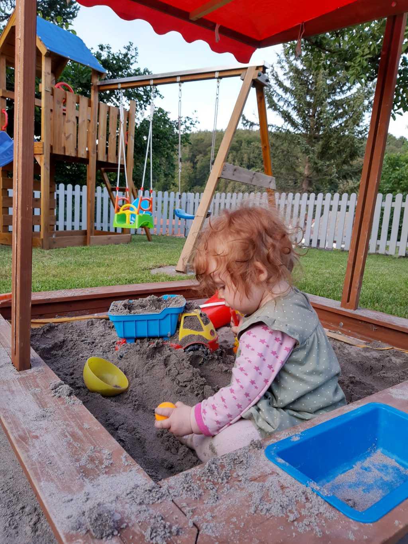 rhoen kinderfreundliche ferienwohnung mit garten und spielplatz