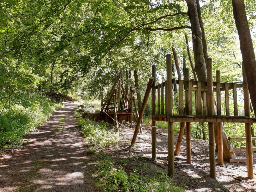 steinzeichen steinbergen spielplatz 2020