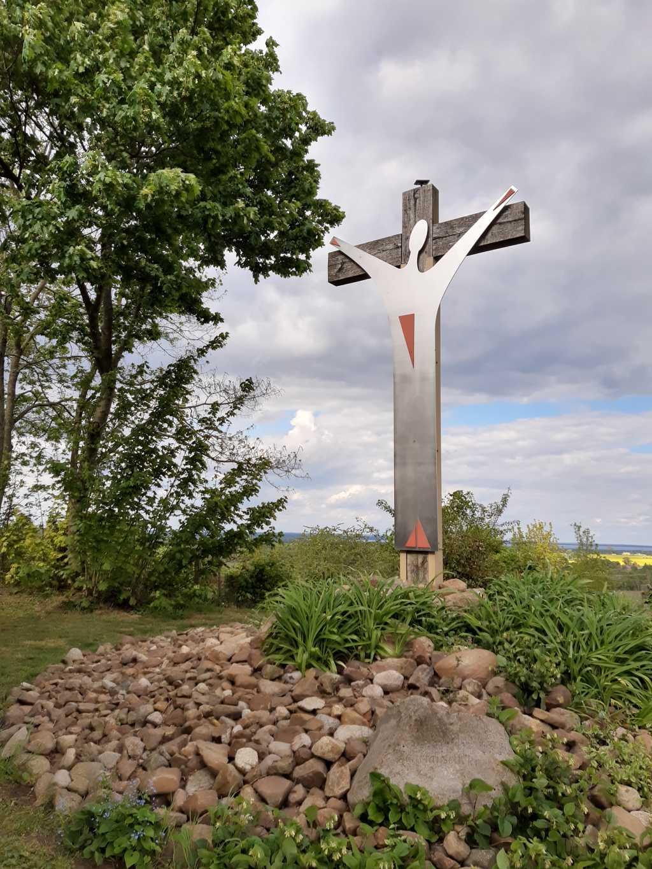 jahrtausendkreuz bergkirchen wandern in schaumburg