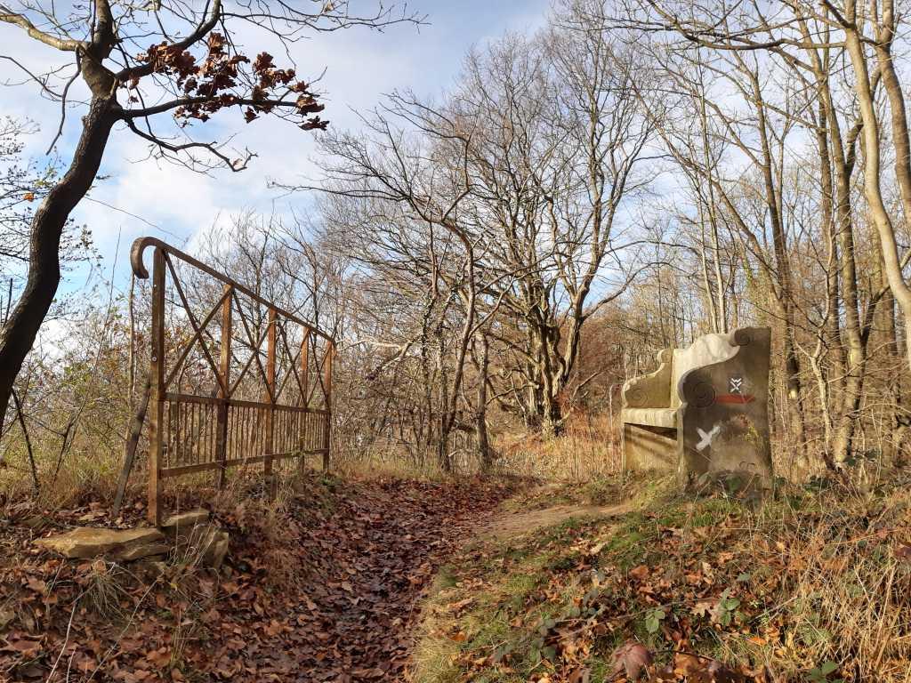 wandern in schaumburg rinteln wesergebirge steinerne bank