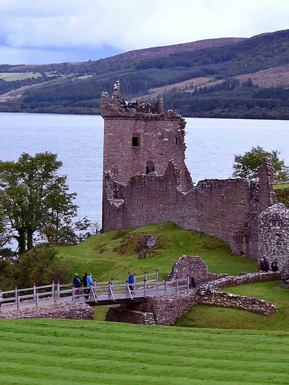 Urquardt Castle burgen in schottland monika fuchs