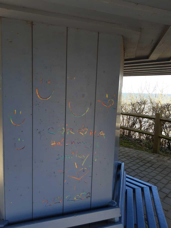 ostsee lockdown nienhagen corona gaffiti