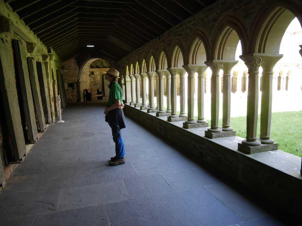 iona abbey kreuzgang