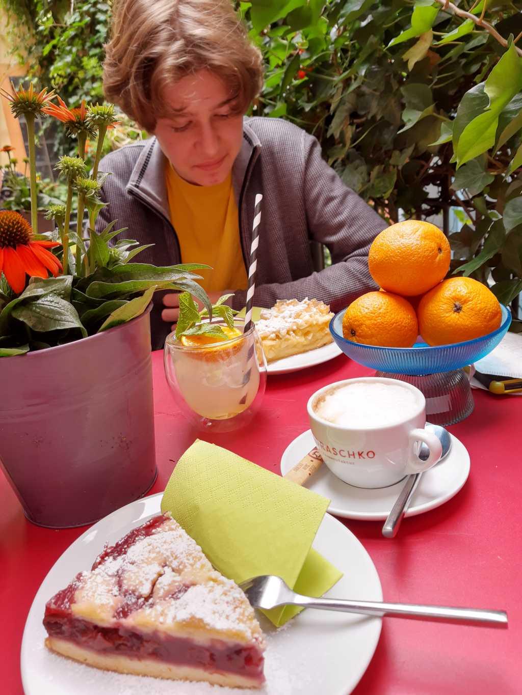 oldenburg cafe innenleben