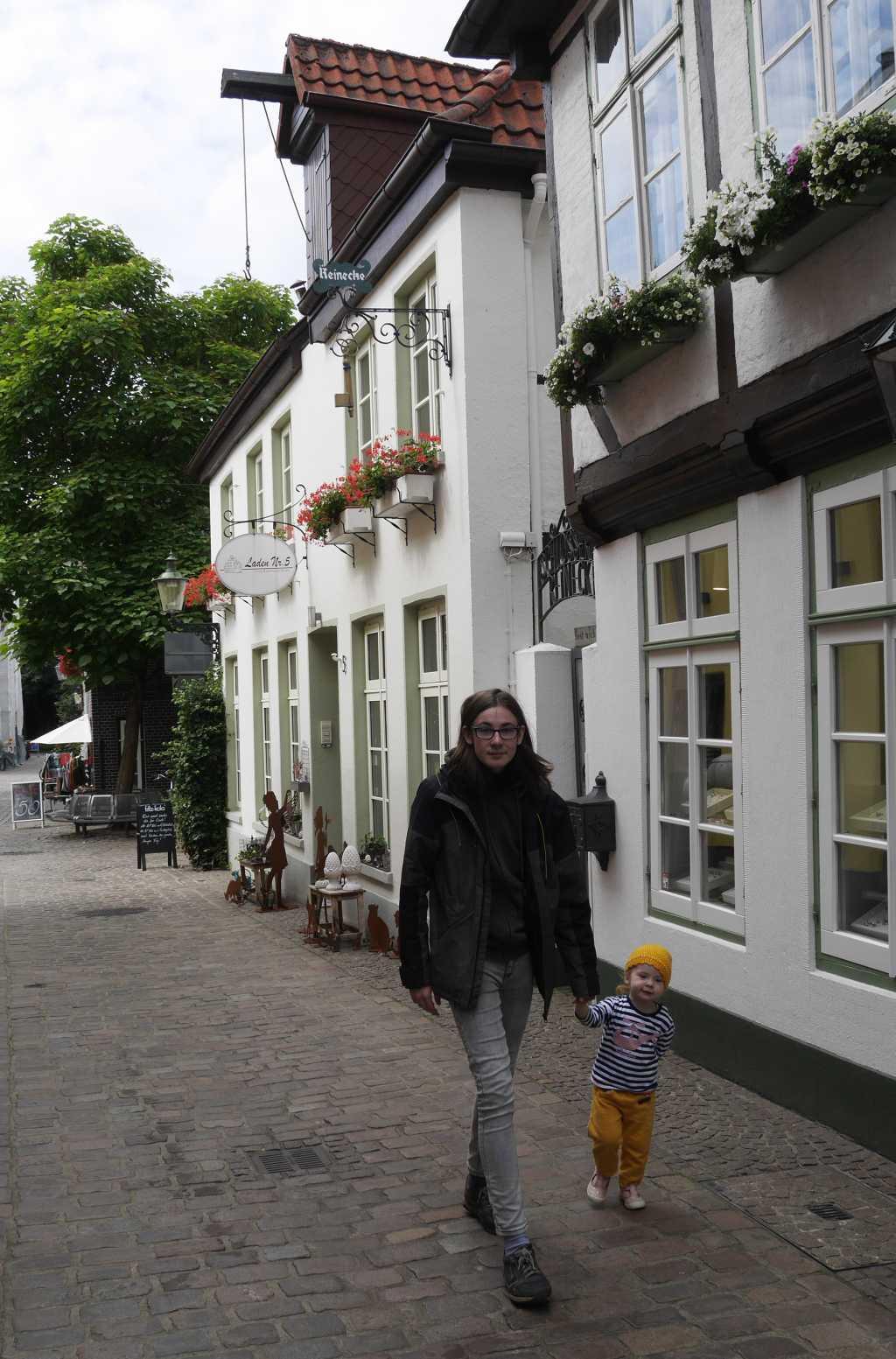 oldenburg mit kleinkind und teenager