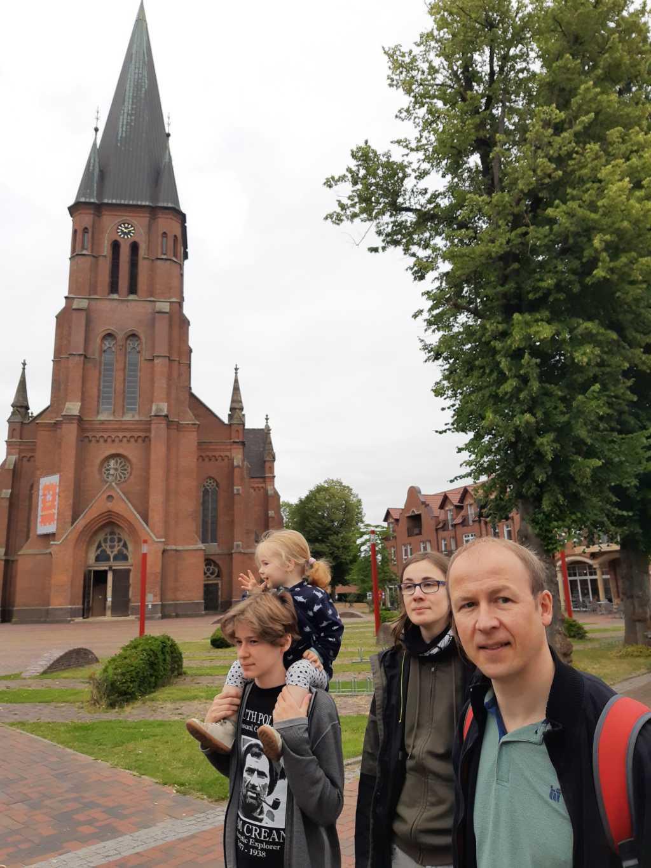 papenburg mit familie kirche