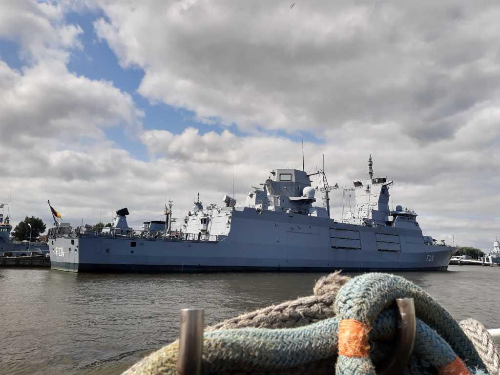 wilhelmshaven hafenrundfahrt marinehafen