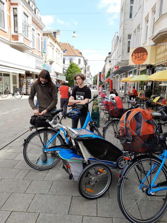 wilhelmshaven mit fahrrad fußgängerzone