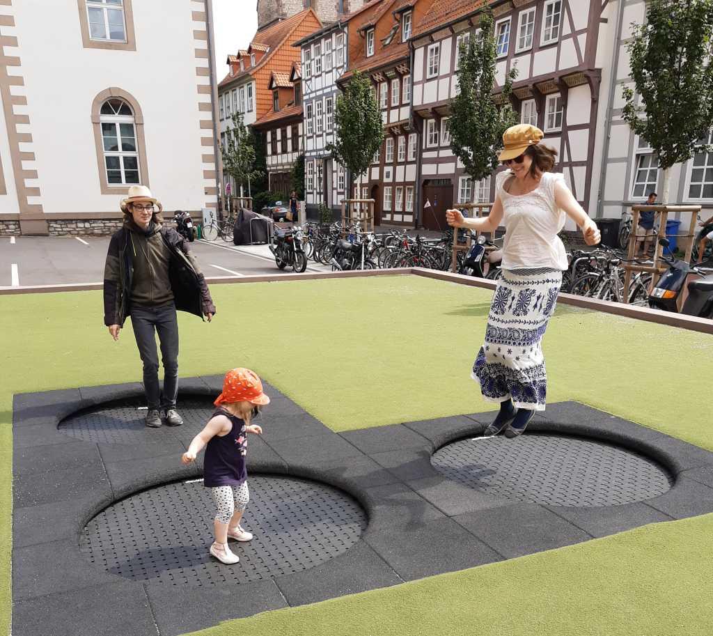 spielplatz göttingen trampolin